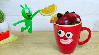 PEA PEA Making Healthy Smoothies - Stop Motion Play Doh