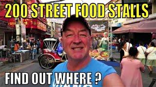 Where can you find 200 street food vendors in one street? Watch this movie to find out !