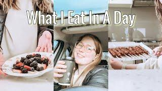 What I eat in a day | Daily Vlog!