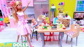 Barbie Girl & Baby Dolls Breakfast in Doll Kitchen!