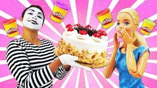 Funny videos: Clown and Barbie make Play Doh cake