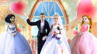 Barbie and Ken take the wedding car to the auditorium for a romantic wedding